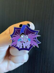 Disney-YZMA-Emperors-New-Groove-Villain-Pin-Kronk-Leader