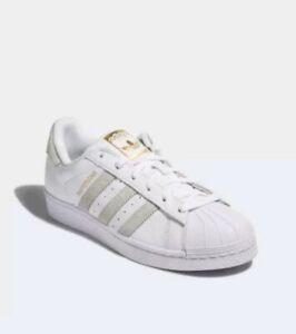 Superstar Suede Sneakers In Green | Superstars schuhe