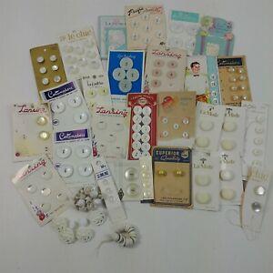 Button-Lot-Vintage-White-Round-Plastic-Lansing-La-Mode-Cards-Buttons-Mixed-Lot