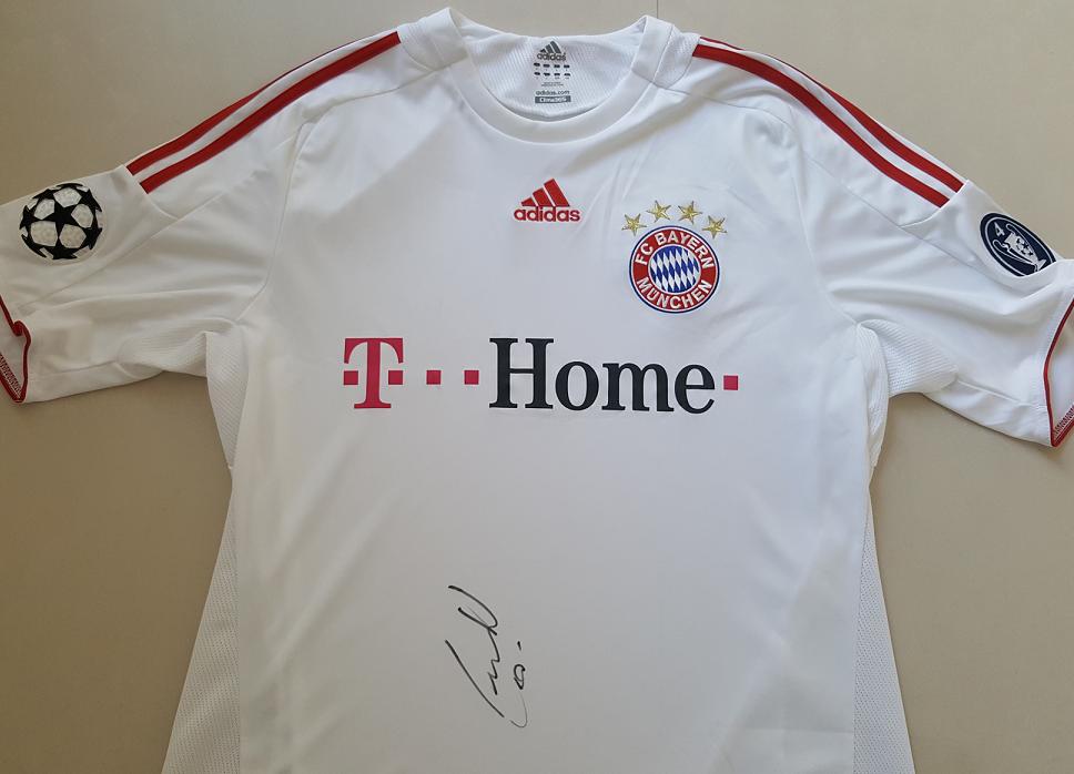 FC Bayern Original Trikot Autogramm von Arjen Robben signiert ohne Nummer