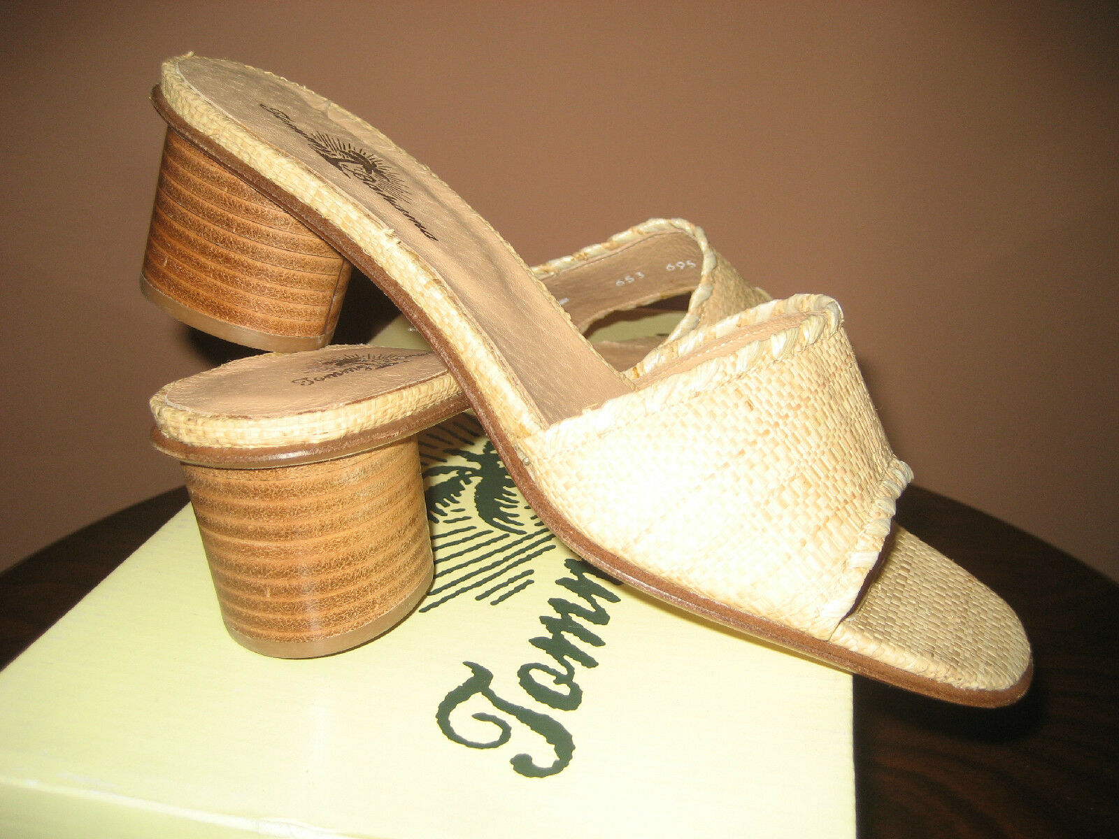 TOMMY BAHAMA Schuhe SIZE 8 NEW IN BOX  MADE IN SPAIN