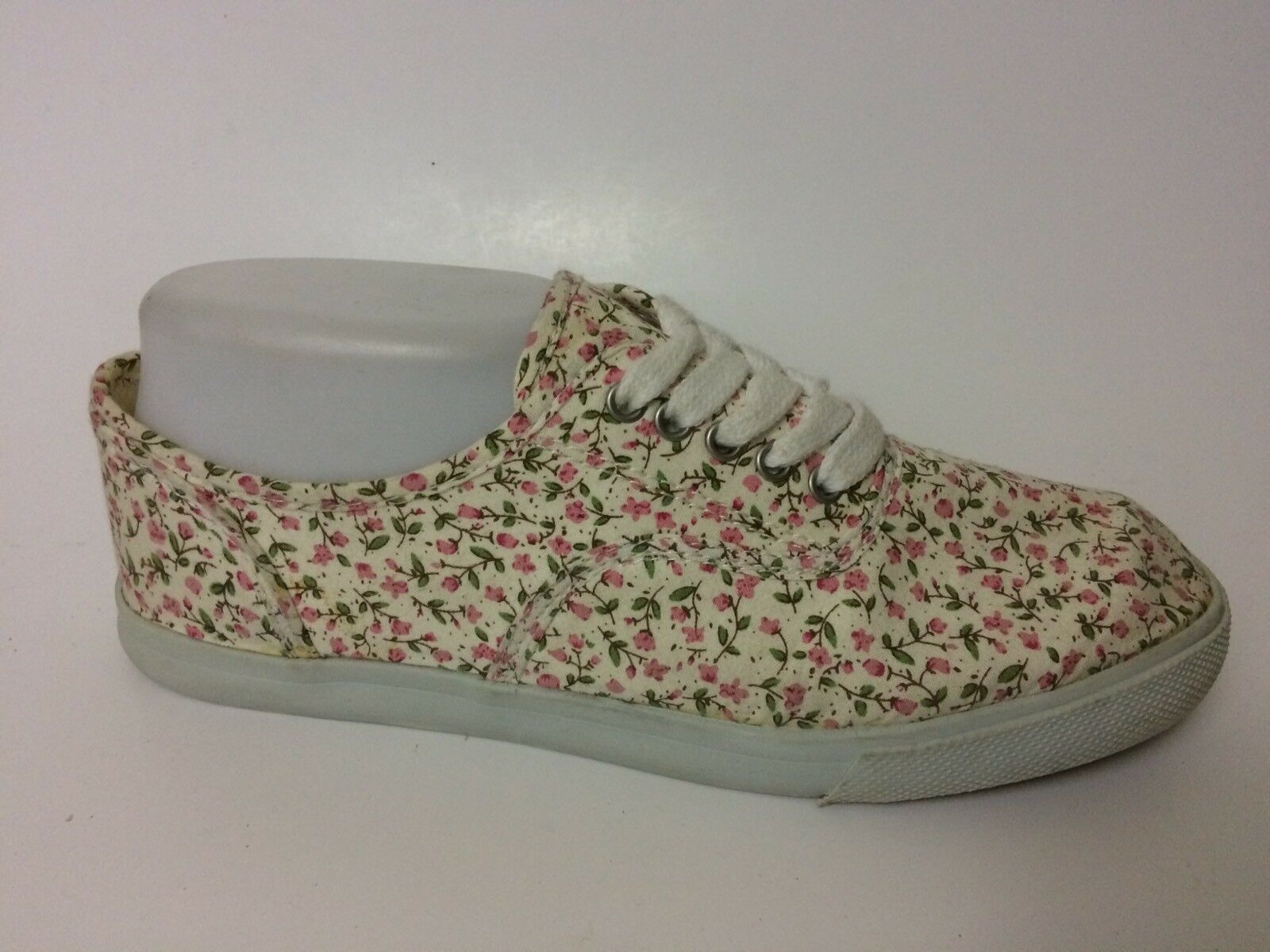 Mossimo Womens 6.5 M Pink Green Beige Shoe Floral Canvas Sneakers Casual Shoe Beige Classic 151a18