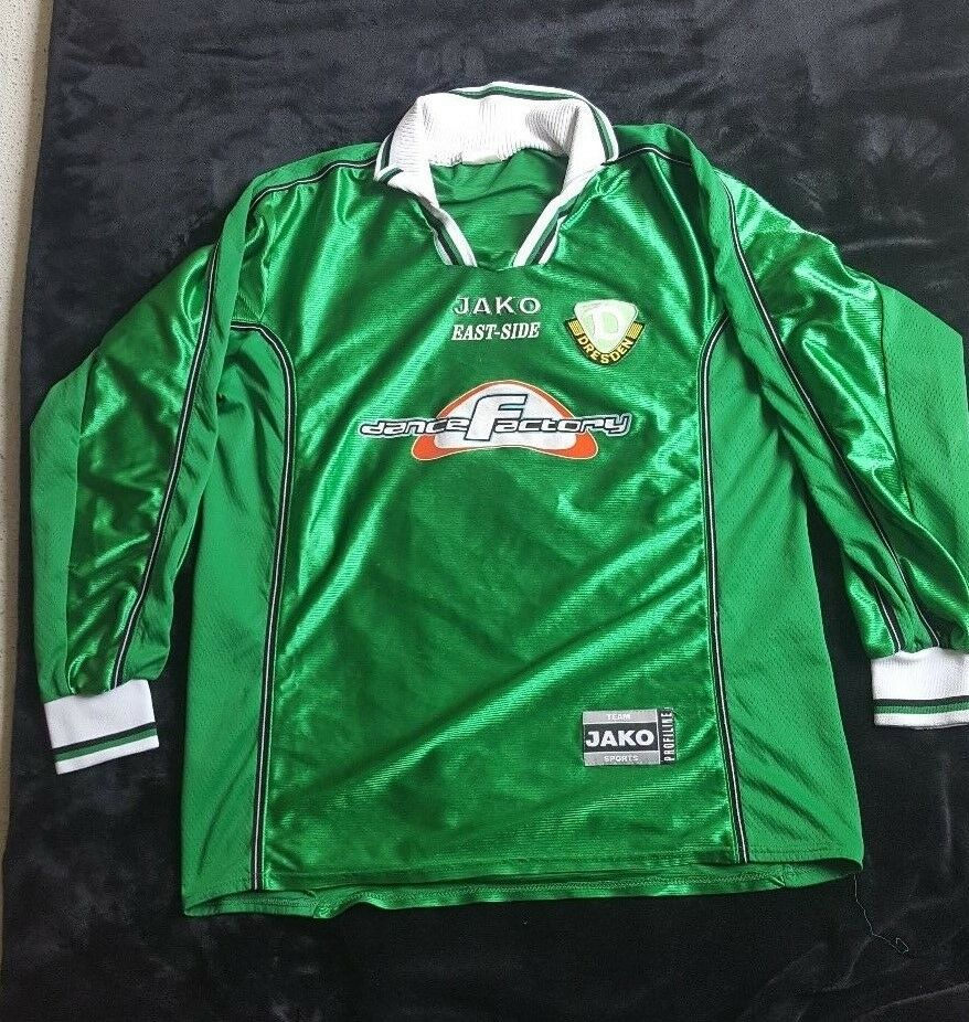 Dynamo Dresden Trikot aus den 90er Jahren mit grünem Emblem TOP