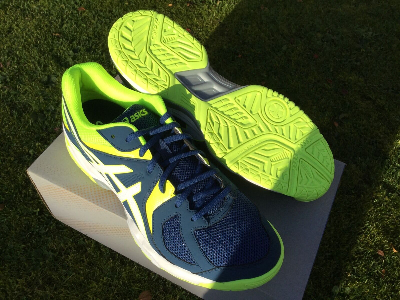 ASICS GEL HUNTER   SQUASH SHOES . size  9.5 BRAND NEW