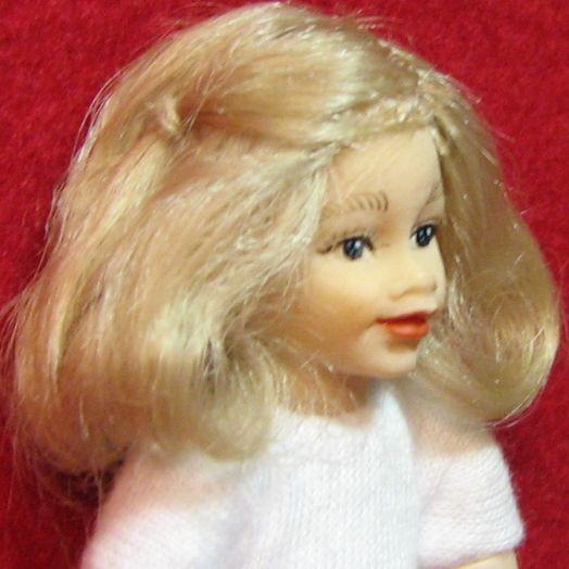 DOLLHOUSE Girl Doll Undressed HOXKK19 Heidi Ott Blond Miniature