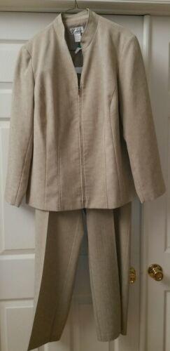 Ladies/Womens 2 Piece Pant Suit - Golden Tan -Size