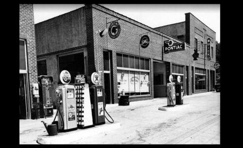 Texaco Gas Pumps Vintage Buick Car Dealer PHOTO Pontiac GM 1940s Gasoline
