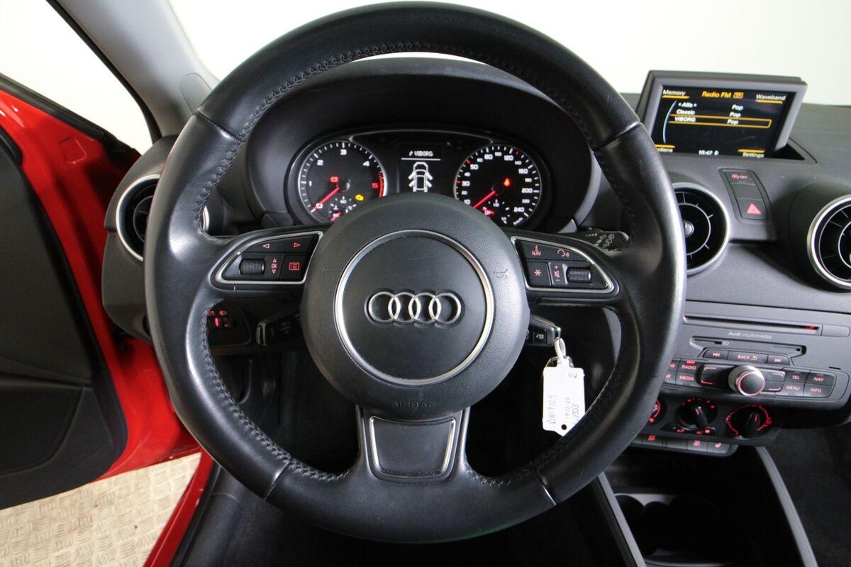 Audi A1 1,6 TDi 90 Attraction SB
