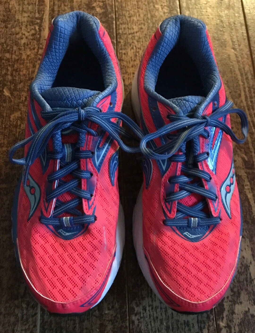 Saucony Women's Ride 8 Pink bluee Running shoes Trainers Size 8 Medium Used.
