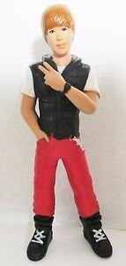 Justin-Bieber-5-Inch-Mini-Figure-Collection-red-carpet-OPENED-FIGURE