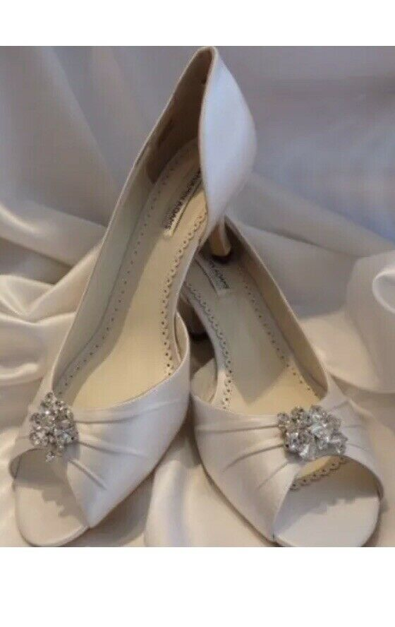 Benjamin Adams Celine Bridal Shoes Wedding Size 37/4 Ivory Silk NEW
