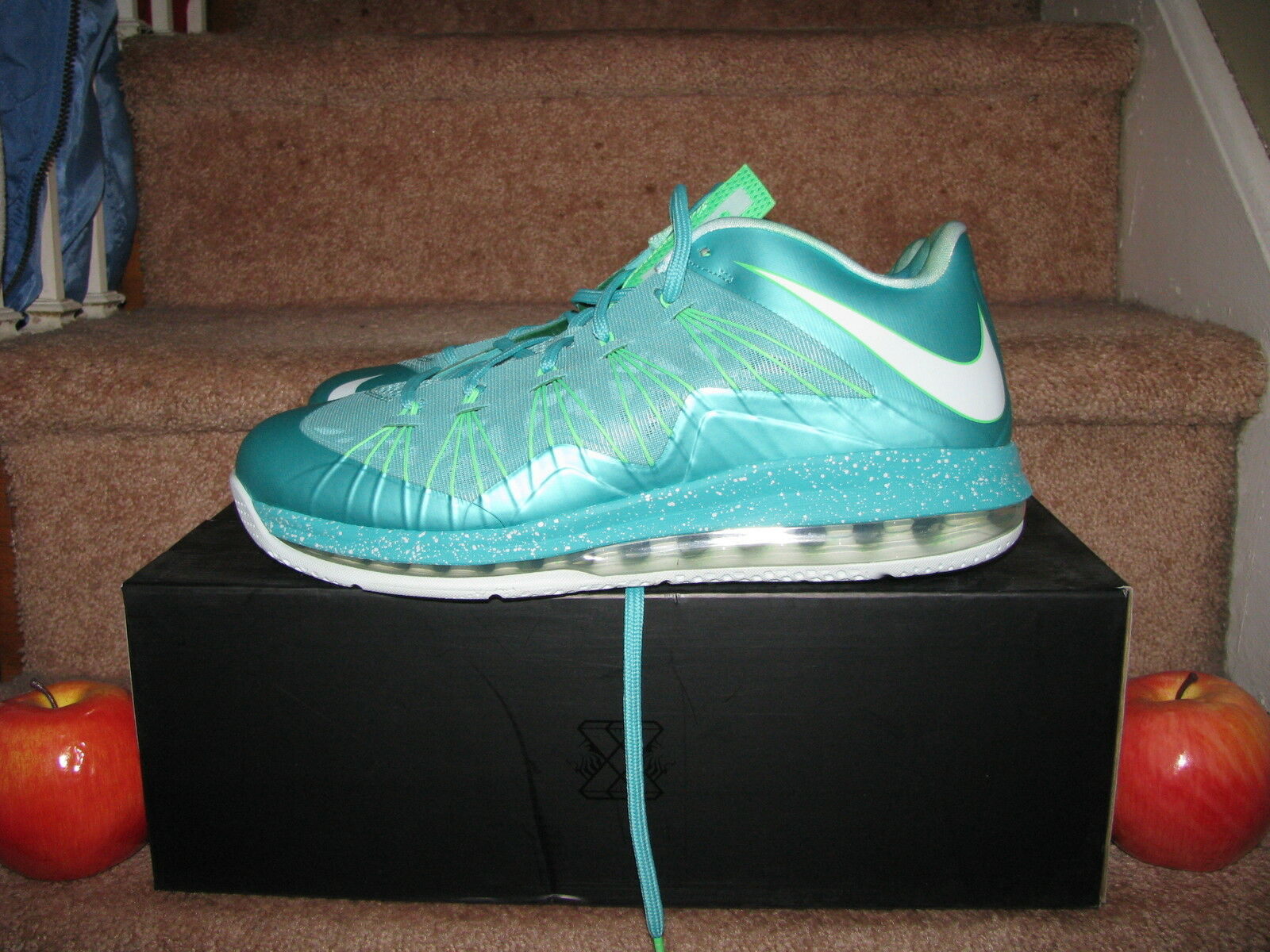 NIKE AIR MAX LEBRON X LOW   EASTER   Mint Green Christmas hero bhm as 579765-300