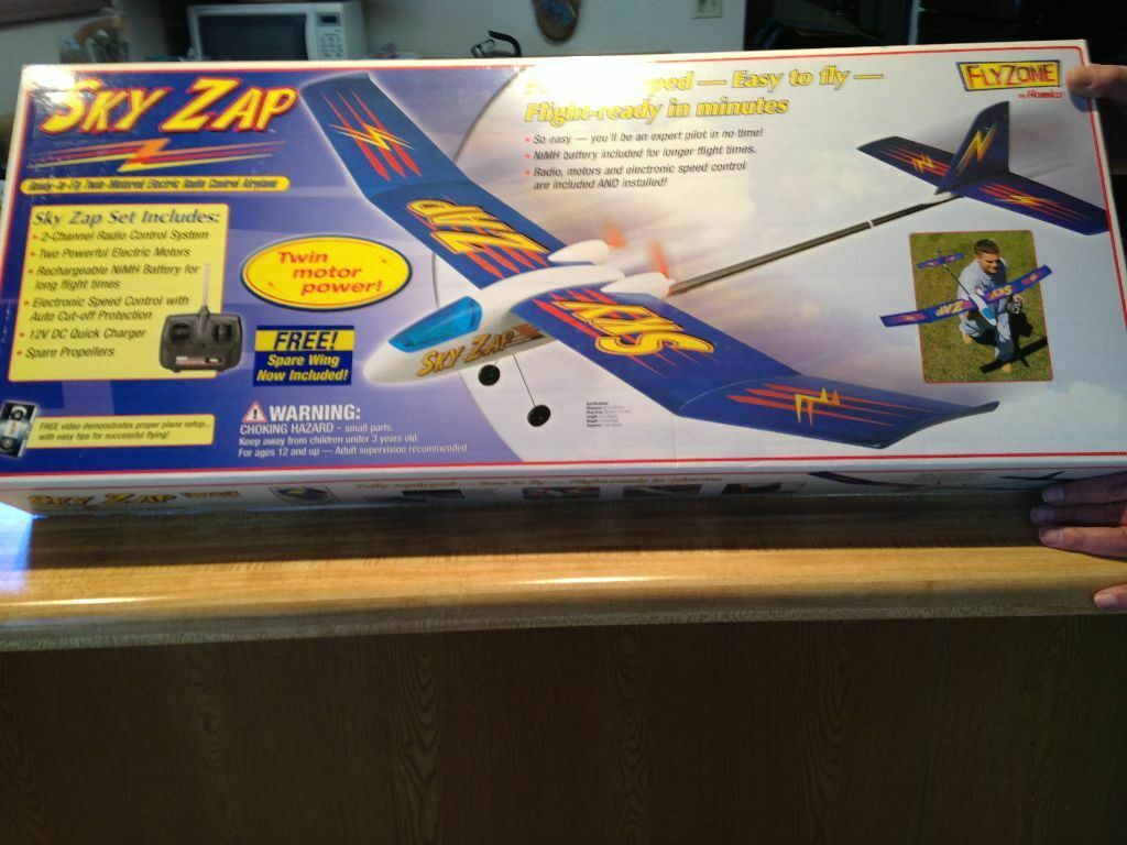 New R C Flyzone Sky Zap RTF - Ready To Fly Version - Twin Engine