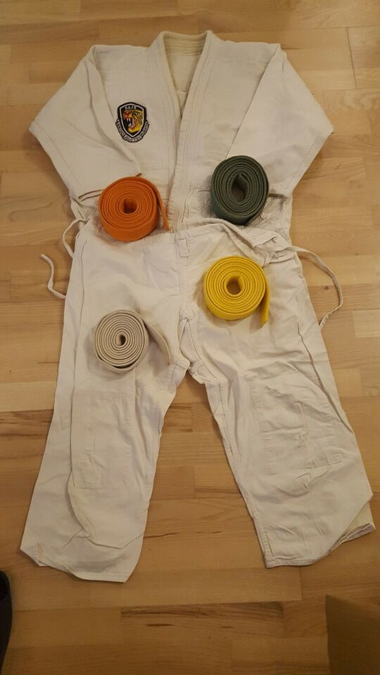 Jiu-Jitsu udstyr, str. M