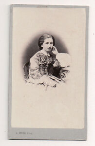 Vintage-CDV-Young-French-Society-Matron-A-Faure-Photo-Amiens-France