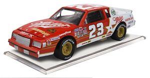 ARCA-1985-DAVEY-ALLISON-23-MILLER-BEER-AMERICAN-BUICK-1-64-CAR