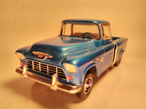 1955 Cameo Pickup truck Chevy Chevrolet 125 built model car kit wood bed blue