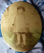 Ferrotype ou melainotype photo petite fille sur plaque metal ovale 13.5x11 cms