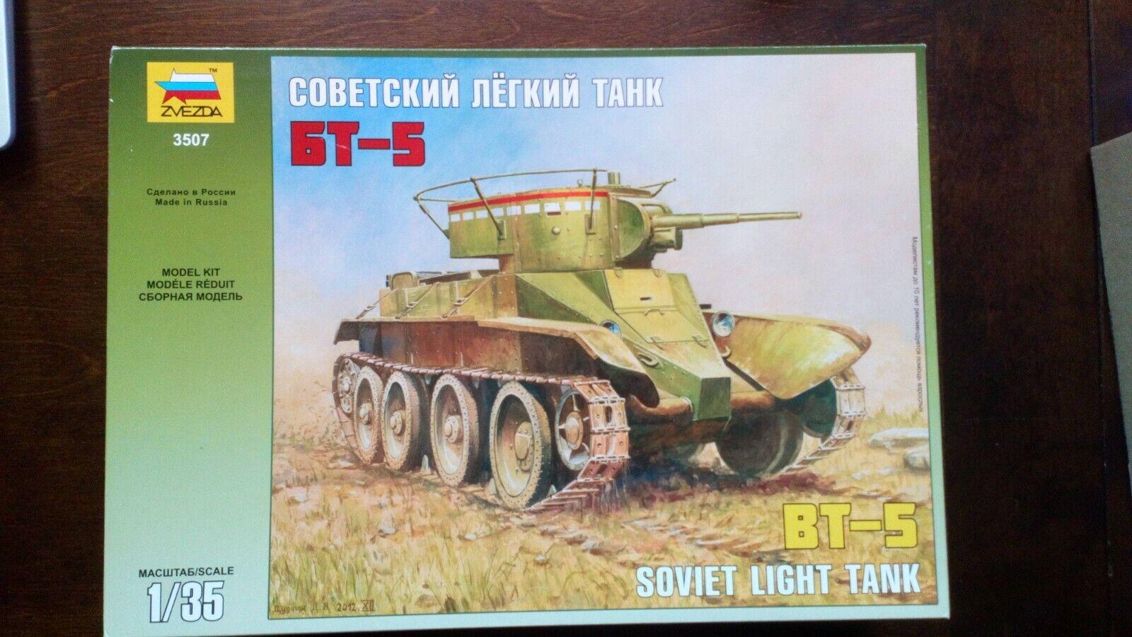 BT-5 WW II Soviet Tank #3507 1//35 ZVEZDA