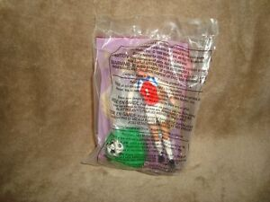 Soccer-Barbie-1999-Mcdonalds-Happy-Meal-toy-1-NIP