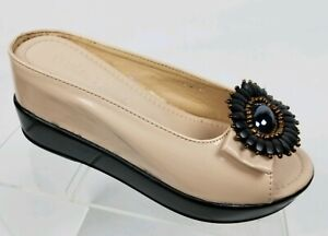 Touch Ups Womens Virginia Platform Pump: Shoes available