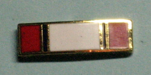 Lapel pin for The Army Distinguished Service medal U.S