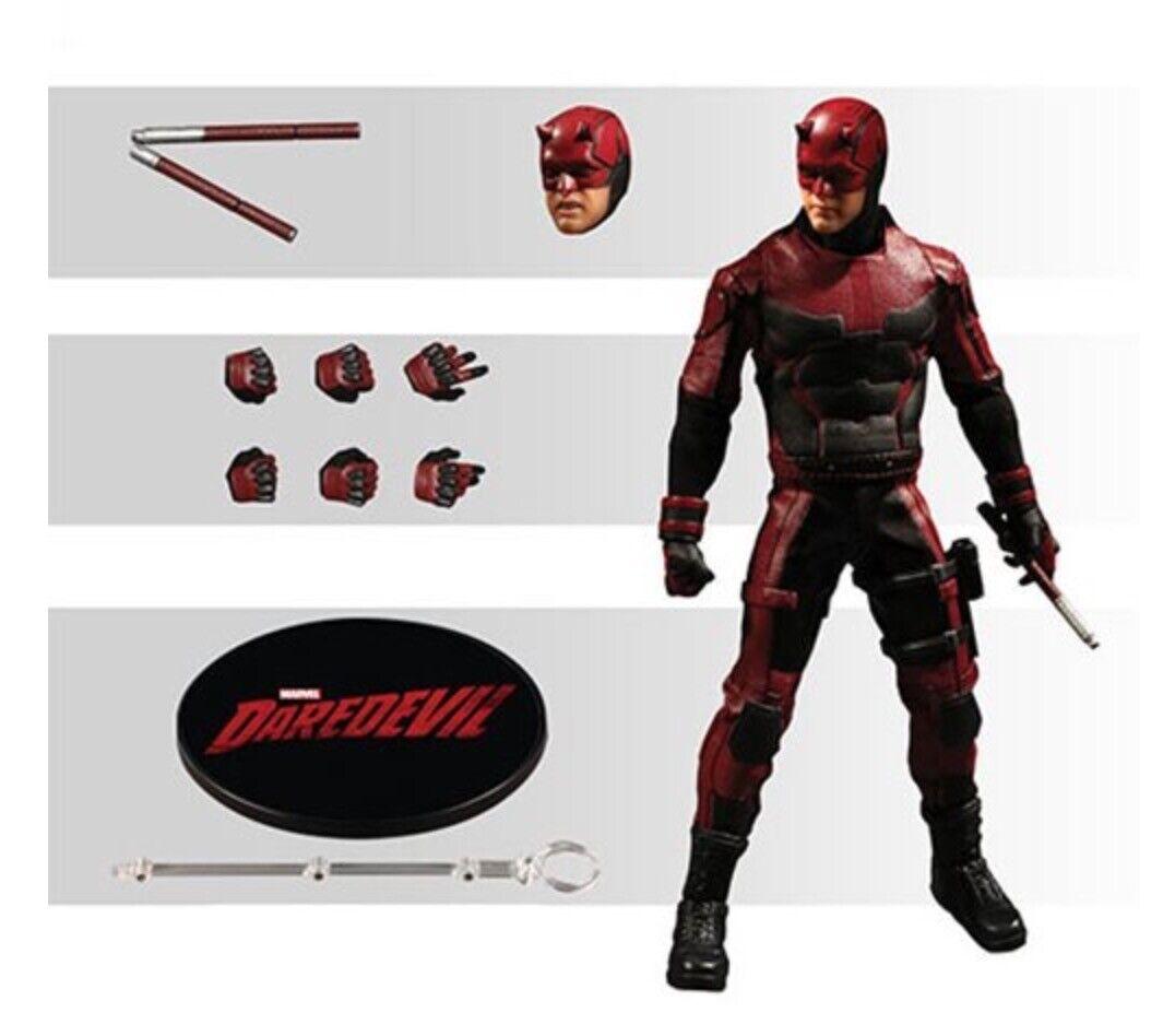 MZ76650  Mezco One 12 Darossoevil Marvel Netflix figura de 6 pulgadas