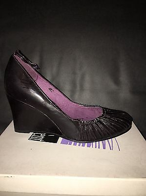 Damen Pumps Lack/Leder Schuhe Dunkel Lila Gr. 41 Keilabsatz Neu