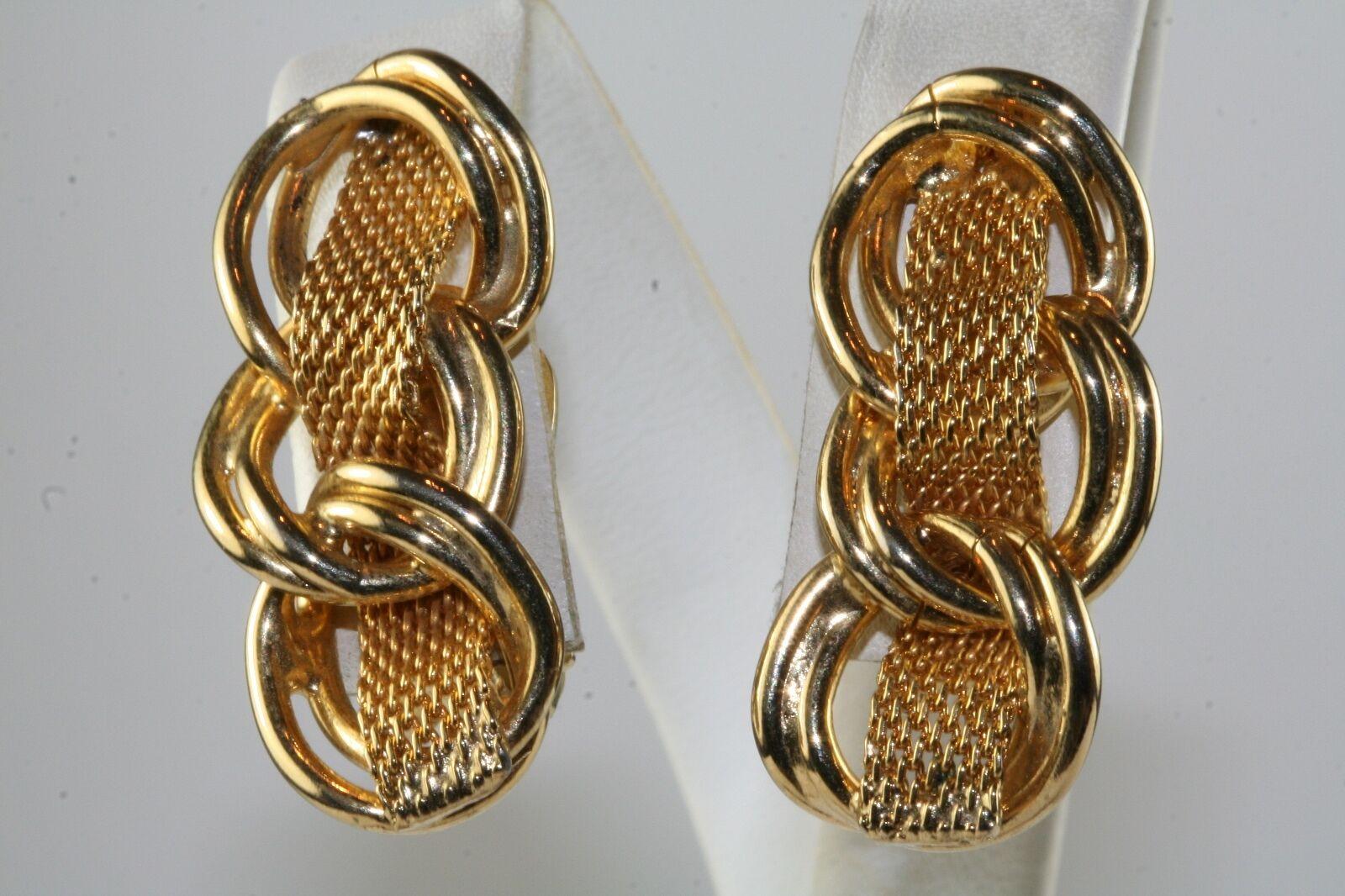 VINTAGE HOBE gold TONE CHAIN LINK CLIP EARRINGS