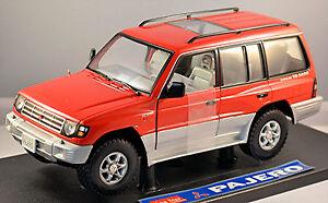Mitsubishi-Pajero-V20-5-tuerig-24Valve-V6-3500-1990-94-rot-red-1-18-Sun-Star