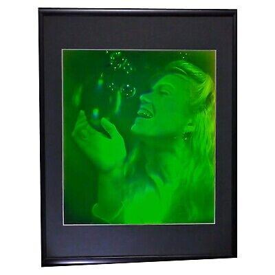 Bubble Girl Pulse Portrait 3D Hologram Picture PHOTOPOLYMER MATTTD /& FRAMED