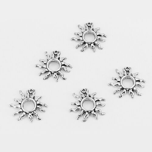 Wholesale 10//20pcs Tibetan Silver Hollow Sun Jewelry Charms Pendant 25x25mm