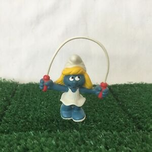 20168 SMURFETTE WITH SKIPPING ROPE SMURF VINTAGE by SCHLEICH FROM THE SMURFS