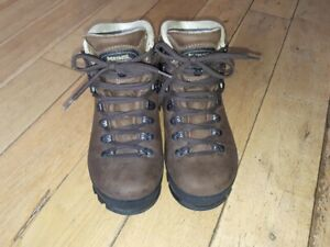 promo code stable quality discount Details about Meindl Bernina Lady 2 GTX Walking Boots,Comfort fit size 4,  Worn Once.