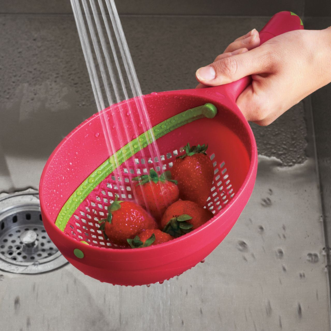 Limited Edition Strawberry Red Chef'n Wash 'n Toss Sweeper Colander Strain Chefn
