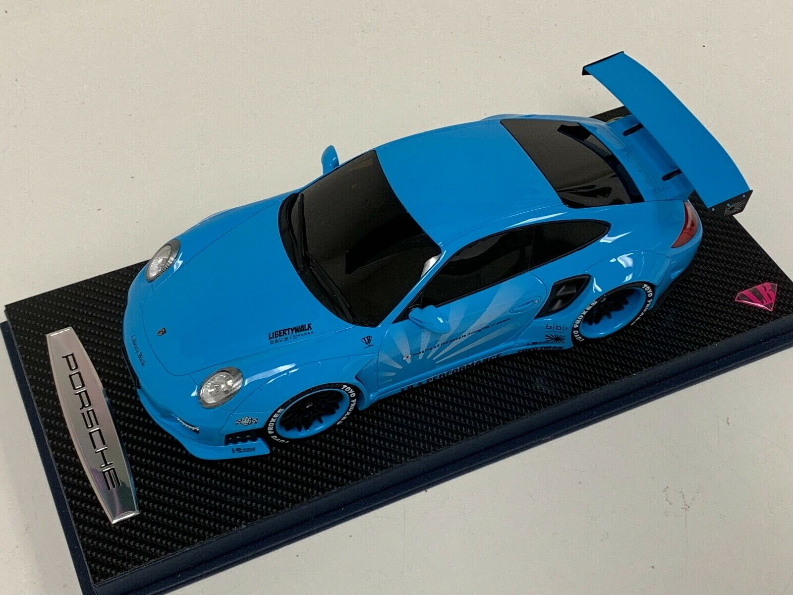 1 18 GT Spirit Porsche 997 LB (environ 452.23 kg) Performance Liberty Walk BABY bleu WHEELS KJ011