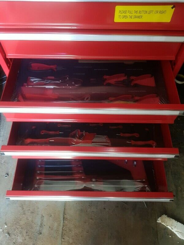BRAND NEW COMPLETE TOOL BOX