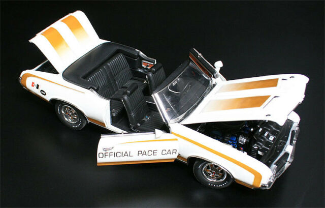1972 HURST Oldsmobile Pace Car 1:18 GMP 1805601