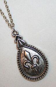 Dainty-Silvertone-Fleur-de-Lis-Teardrop-Pendant-Necklace