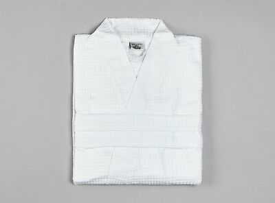 Flight Tracker Waffle Bathrobe | 100% Cotton | Hotel Quality | White | Unisex Dressing Gown