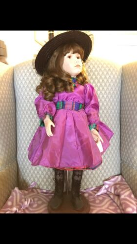 "25"" Sassy doll World gallery of dolls by Alice Wolleydt wcert of authenticity"