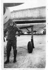 Deutscher Pilot vor Flugzeug Focke - Wulf Fw 190 Frankreich