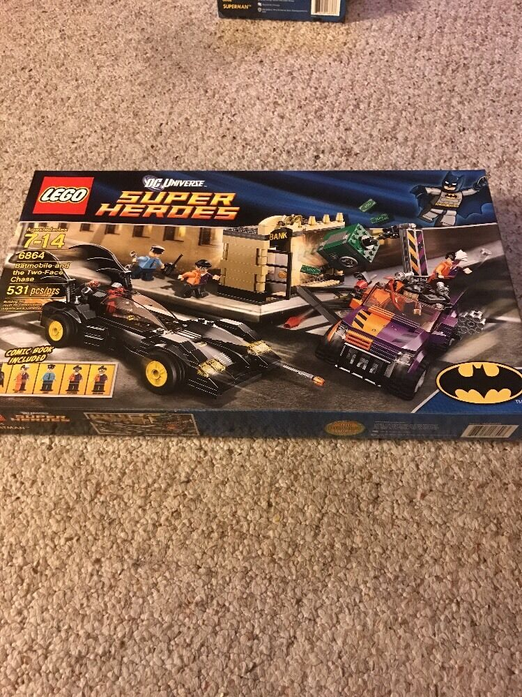 LEGO 6864 Batmobile Two-Face Chase Batman Movie DC Super Heroes Retired HTF