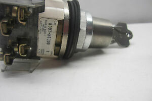 NEW-ALLEN-BRADLEY-800T-H3305-SELECTOR-SWITCH-800TH3305