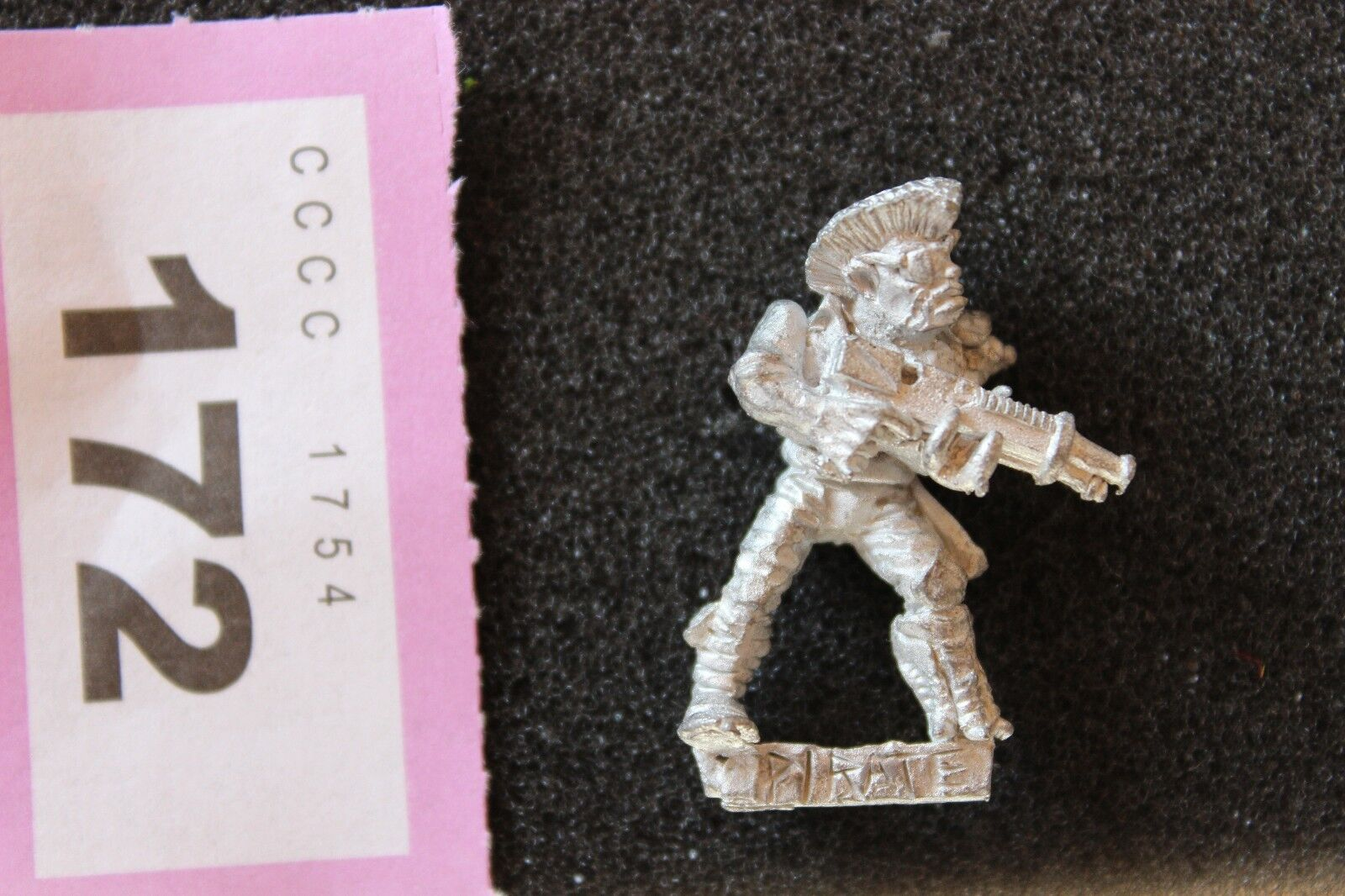 Games Workshop Warhammer 40k Rogue Trader Adventurer Punk Hair Eye Patch OOP GW