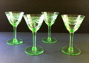 Vintage-Green-Etched-Optic-Vaseline-Cordial-Glasses-Set-of-4-Beautiful
