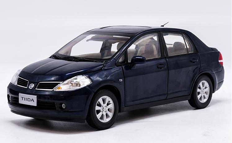 1/18 Dongfeng Nissan fabricante original, modelo de aleación de coche Azul Nissan Tiida