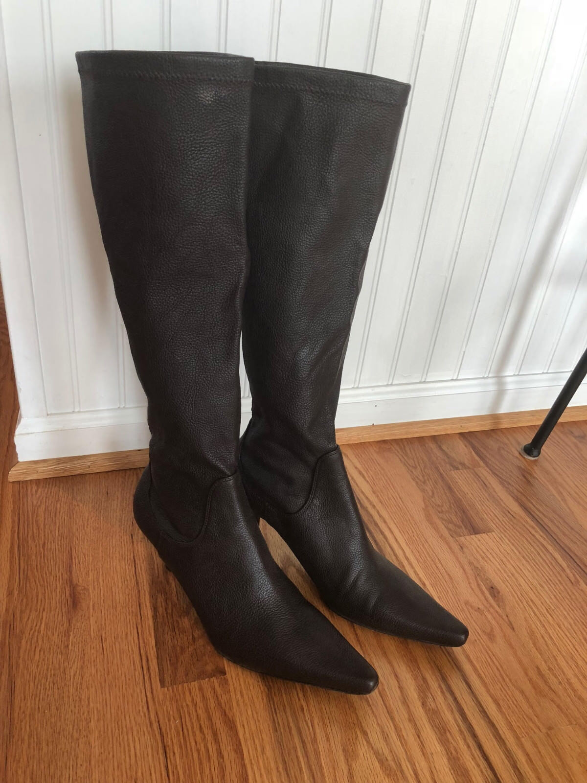 EUC Women's Donald J. Pliner Brown textured Leather Knee High Boots Size 9M