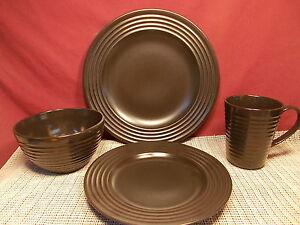 Image is loading Wedgwood-Dinnerware-Emeril-Cafe-Pattern-4-Piece-Place- & Wedgwood Dinnerware Emeril Cafe Pattern 4 Piece Place Setting New | eBay