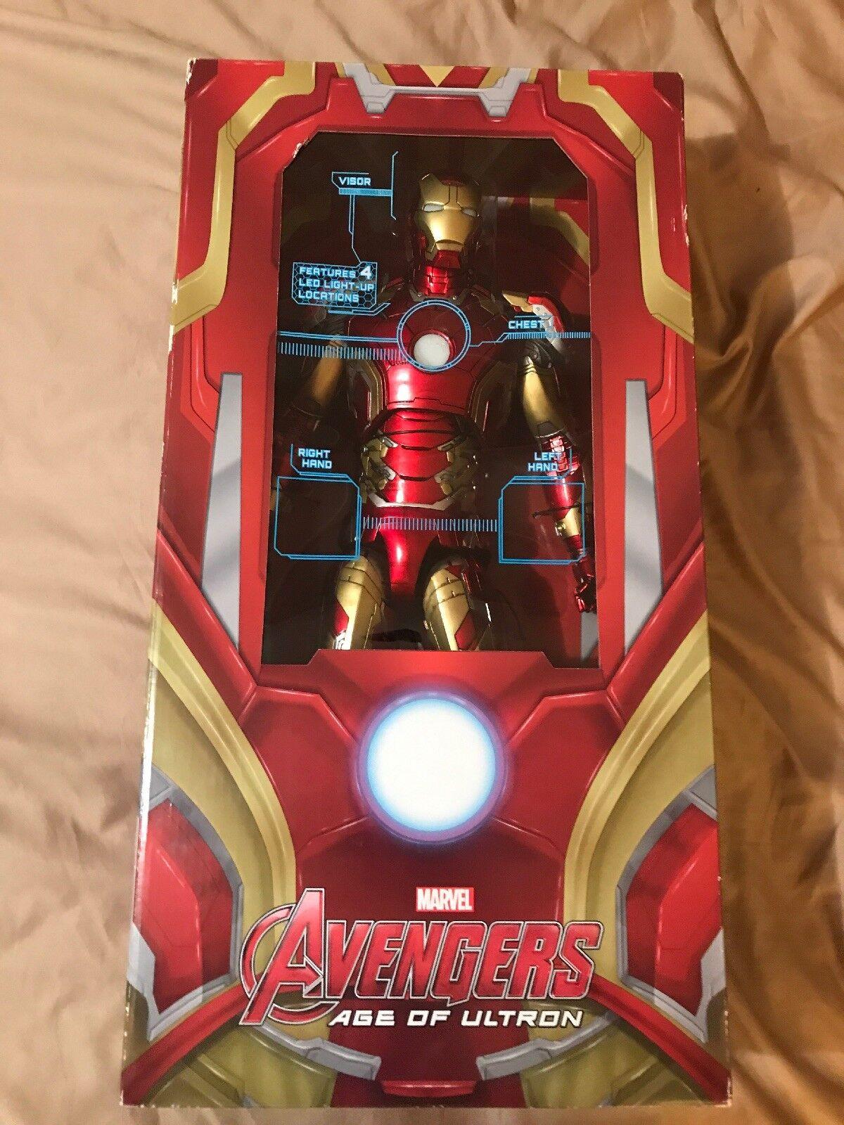 Iron Man Mark 43 Vengadores 2 la Era de Ultron 18 1/4 Escala Figura Neca 2018 LED